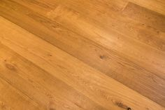 Smooth Brush Smoke Natural Oiled Engineered Oak. Natural, warm coloured wide plank oak floor. #engineeredoakflooring #wideplankfloor