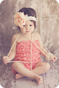 This is adorable! Really liking the cute little headband and necklace... : )