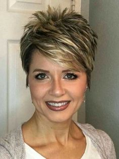 Perfect 45 Stylish Pixie Haircut For Thin Hair Ideas Stylish Pixie Haircut; Super Muy Corto Pixie Cortes de pelo Y Colores de Pelo para Very Short Haircuts, Popular Short Hairstyles, Hairstyles 2018, Ladies Hairstyles, Popular Haircuts, Trending Hairstyles, Latest Haircuts, Winter Hairstyles, Pixie Haircut For Thick Hair