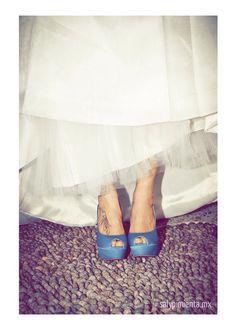 Zapatos azules para la novia mas cool.
