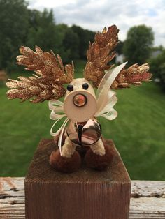 Made by Reindeer Love, this beautiful neutral colored copper and beige wine cork reindeer is irresistible! Her face will melt your heart! Made from