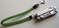Wallet lanyard made with 'Type I' paracord. I used about 25 feet of cord on a knitting spool with the finished length at about 30 inches. Paracord Knots, Rope Knots, 550 Paracord, Bushcraft, Paracord Projects, Paracord Ideas, Paracord Tutorial, Adjustable Knot, Survival Backpack