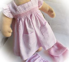 Summer Outfit for 16 Inch Dolls...Smocked di HuggerMuggerDolls