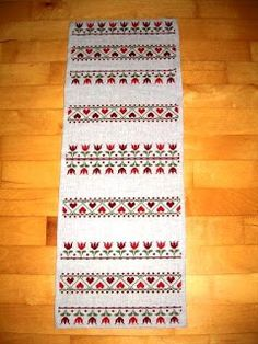 Christmas table runer in crossstitches
