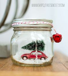 Mason Jar Christmas Craft: Car In Mason Jar Snow Globe