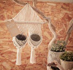 Macrame/macramé 『MACUTAPE!』マクタペ Tapestry hanger タペストリーハンガー Plant Hangers, Macrame Design, Macrame Knots, Reusable Tote Bags, Bullet Journal, Ideas, Pendants, Thoughts