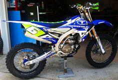 Yamaha-YZ-YZF-Elite-Motocross-Graphics-MotoFX-Graphics.jpg 1.000×684 píxeles