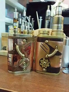 http://www.whichecigarette.com/review-cats/premium-ecigarettes/ Steam Punk box mod Please journey to our websitore @ http://www.bluecigsupply.com - Free Vape Spot Giveaways http://FreeVapeSpot.com/