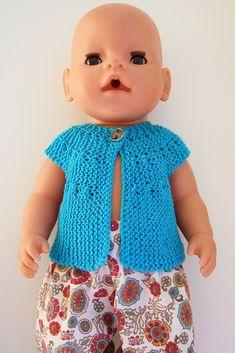 Min Dukkeverden: Vest til Babyborn - oppskrift Baby Born Clothes, Knit Crochet, Crochet Hats, Knitting Dolls Clothes, Preemie Babies, Cute Dolls, Stuffed Toys Patterns, Doll Toys, Diy Clothes