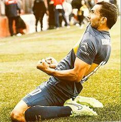 Carlitos Tevez. Actualmente el MEJOR JUGADOR del futbol argentino