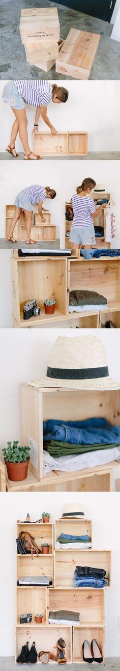 Estantería DIY con cajas de vino / Vía http://apairandasparediy.com/