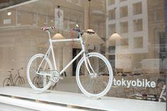 Cobalt Gropes on Tokyobike