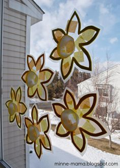{Guest Post} Toddler-Made Spring Suncatchers by Minne-Mama for Fun at Home with Kids