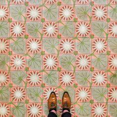 Caminando por Barcelona: los suelos más bonitos de la ciudad condal