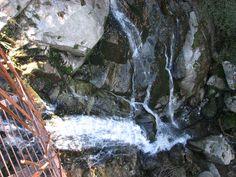 La Cascada de Marta aún no exhibe su fuerza bruta porque este otoño no ha llovido mucho. Espera a que llegue el Invierno y verás.