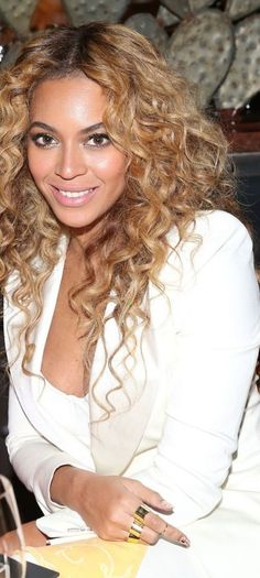 Beyonce new haircut - http://new-hairstyle.ru/beyonce-new-haircut/ #Hairstyles #Haircuts #Ideas2017 #hair