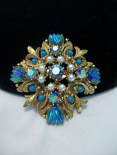 BAROQUE STYLE MALTESE CROSS TULIP RHINESTONE VINTAGE FLORENZA BROOCH PIN BOOK PC