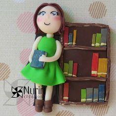 #fimo #polymerclay #premo #sculpey #kato #craft #arcillapolimerica #clay #art #nuriricreations #manualidades #handmade #library #biblioteca #bibliotecaria #books #fimopro #polyclay #Padgram