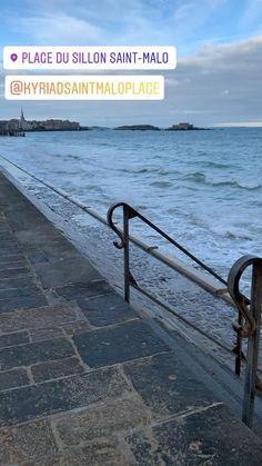 Marée haute plage du sillon face a l'hotel saint Malo Plage Hotel Saint Malo, Saints, Face, Santos, Faces, Facial