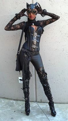 Steampunk Catwoman. I don't usually go crazy for steampunk everything, but I love this