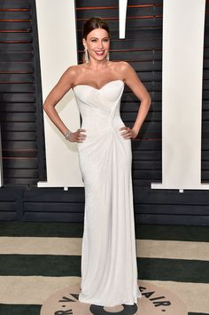 Vanity Fair Oscar Party Dresses 2016 |Sofia Vergara Wearing a Mark Zunino Haute Couture dress and Lorraine Schwartz jewels.