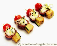 Receta de Pincho de berenjenas, anchoa y mozzarella | Tapas, canapés, aperitivos y bocaditos Quesos Pescados Verduras - A FUEGO LENTO