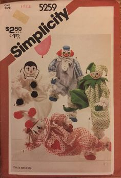 VTG 5259 Simplicity (1981). Decorative craft clowns.  20 inches in height.  Complete, unused, FF. Excellent condition.