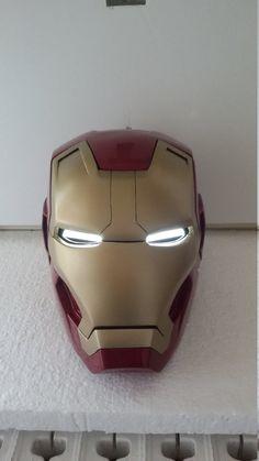 Guarda questo articolo nel mio negozio Etsy https://www.etsy.com/it/listing/260398878/iron-man-helmet-mark-42-43-complete