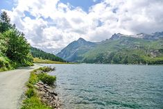 Engadin: Top Highlights + Sehenswürdigkeiten Graubünden - Reiseblog Seen, Highlights, River, Mountains, Nature, Outdoor, Europe, Hiking, Vacation