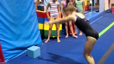 Back Handspring Drill - Tony Retrosi Lecture Video Gymnastics At Home, Gymnastics Lessons, Gymnastics Academy, Gymnastics Floor, Gymnastics Tricks, Gymnastics Coaching, Amazing Gymnastics, Gymnastics Training, Gymnastics Workout