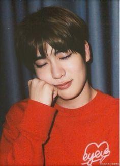 """포도🍇 on Twitter: """"재현이 위챗 화질 복구 해봤는데 진짜 대박이다.. 새로 찍은격이야 피부 뭔데😭… """" Seoul, Kpop, Rapper, Johnny Seo, Jung Yoon, Valentines For Boys, Jung Jaehyun, Jaehyun Nct, Dimples"""