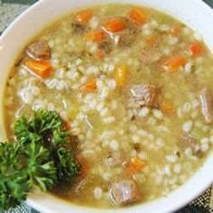 Slow Cooker Beef Barley Soup: Absolutely the best. Very simple, nourishing, affordable meal. Crock Pot Soup, Crock Pot Slow Cooker, Slow Cooker Recipes, Crockpot Recipes, Soup Recipes, Cooking Recipes, Barley Recipes, Budget Recipes, Fast Recipes