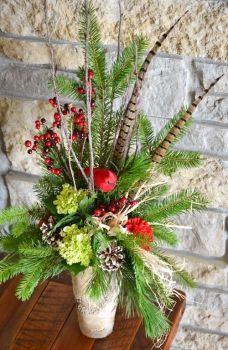 Heaven and Nature Sings by Trig's Floral and Home / arreglo con plumas de faizan Winter Floral Arrangements, Christmas Flower Arrangements, Holiday Centerpieces, Christmas Flowers, Floral Centerpieces, Xmas Decorations, Flower Decorations, Christmas Holidays, Christmas Wreaths