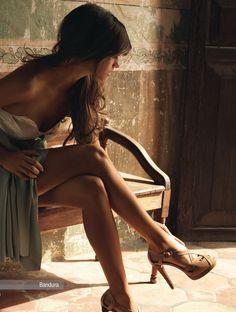 sexxxxxxy. I want that dress.