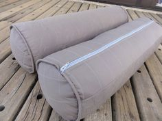 Almofada rolo para cama ou berço. Pode ser usada para as laterais do berço.