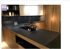 meble kuchenne obłóg dębowy olejowany,blaty kwarcyt ,barek i półki blacha stalowa  szafki górne lakierowane