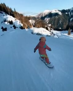▶ Snowboard session with the kids 🏂 Via: .Snowboard session with the kids 🏂 Via: .travels Video by: ------ Dream Life ------ Snowboarding Photography, Snowboarding Videos, Snowboarding Outfit, Snowboarding Women, Style Snowboard, Snowboard Girl, How To Snowboard, Snowboard Bedroom, Viajes