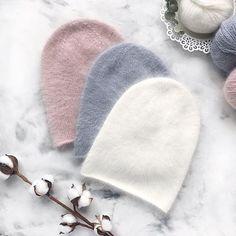 А вот эти шапочки закончены, постираны и высушены и на розовой добавился милый элемент в виде бантикаДве шапочки свободны, на ог 48-50, состав 100% хлопок, воздушные и легкиеДля заказа напишите мне в direct или viber +375447664748 Cable Knit Hat, Knit Beanie, Knitted Fabric, Knit Crochet, Crochet Hats, Knitted Hats Kids, Knit Shoes, Knit Fashion, Lana