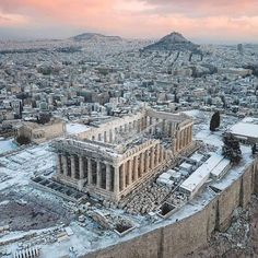 📌 The Parthenon, Athens. The Parthenon stands in the southern area of the Acropolis of Athens and was dedicated to the goddess Athena. Greece Destinations, Acropolis Greece, Parthenon Athens, Places To Travel, Places To Go, Greece Photography, Photos Voyages, Travel Aesthetic, Travel Abroad