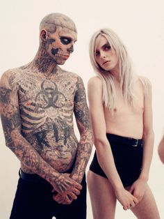 """""""Zombie Boy"""" Rick Genest poses with male model Andrej Pejic Fashion Photo, Fashion Models, Rick Genest, Androgynous Models, Sick Tattoo, Canadian Models, Cover Tattoo, Favim, Body Modifications"""