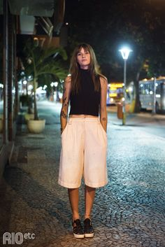 Click Image For All The Secrets To Attract Women! Looks do Rio - Gola Alta. I like rhis look but i would want capri length pants, so just a bit longer Tomboy Fashion, Look Fashion, Girl Fashion, Fashion Dresses, Mode Outfits, Casual Outfits, Summer Outfits, Style Rock, My Style
