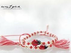 ΧΕΙΡΟΠΟΙΗΤΑ ΜΑΡΤΑΚΙΑ ΒΡΑΧΙΟΛΑΚΙΑ ( ΒΡΑΧΙΟΛΙΑ ΜΑΡΤΗ )Χειροποίητα μαρτάκια βραχιολάκια εξαιρετικής ποιότητας κατασκευασμένα στην Ελλάδα. Good Luck Bracelet, String Art, Friendship Bracelets, Projects To Try, Handmade Jewelry, Accessories, Jewellery, Google, Kids