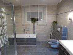 Moderne Badezimmerfliesen in anthrazit und grau