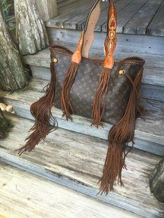 VINTAGE SWAG Vintage FRINGED Louis Vuitton Neverfull GM Boho Girl handbag with…