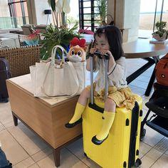 또 가자...애미야......😫.. #예콩이 #아빠인스타 #오키나와 #okinawa - dad @agijagi_dad Cute Asian Babies, Korean Babies, Asian Kids, Cute Little Baby, Little Babies, Baby Kids, Cute Babies Photography, Baby Tumblr, Ulzzang Kids