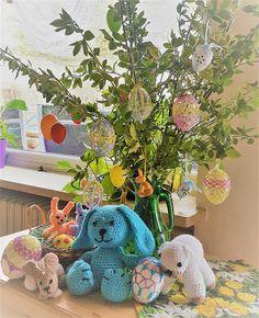 Kuschelkörbchen   : Frohe Ostern Dinosaur Stuffed Animal, Toys, Animals, Happy Easter, Cuddling, Animales, Animaux, Gaming, Animais