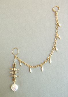 Golden Nose to Ear Chain with Swarovski Crystals and Pearls with Matching Earrings .