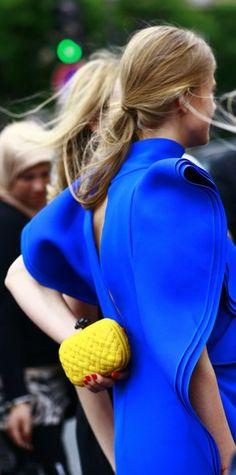 Streestyle: os acessórios de impacto das fashionistas no dia 3 da alta-costura - Vogue | Streetstyle