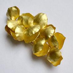 Kayo Saito brooch
