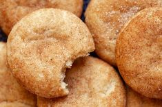 Snickerdoodle recipe: Soft on the inside and crispy on the outside Mexican Food Recipes, Cookie Recipes, Dessert Recipes, Vanilla Bean Scones, Baking Bowl, Snickerdoodle Recipe, Pan Dulce, Copycat Recipes, Tray Bakes